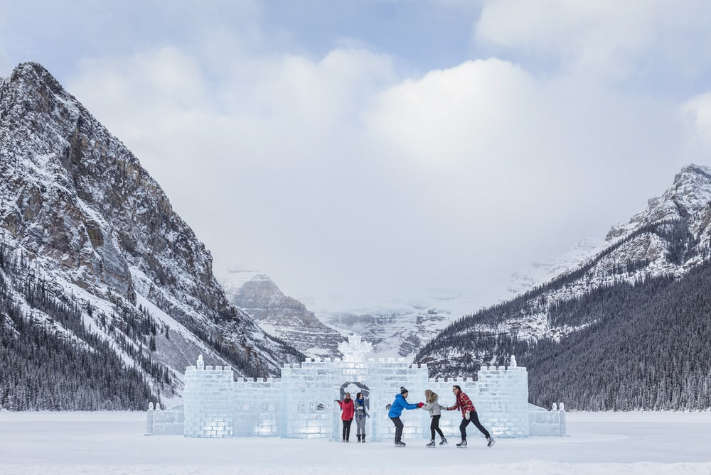 10 Things to Do at Lake Louise in Winter